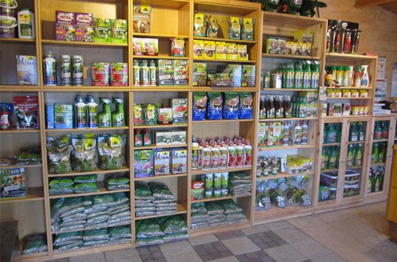 Hochwertige Pflanzen- und Rasendünger, Saatgut